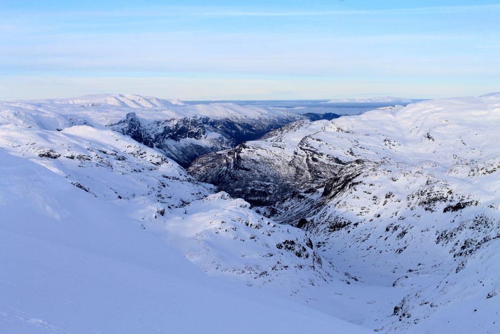 Utsikt mot Myrdalen og Flåmsdalen fra Baksafjellet.