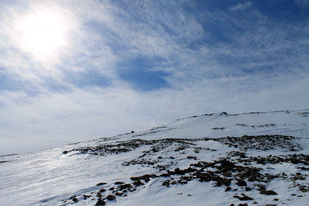 Normalruten opp til Skogshorn lans øst-ryggen.