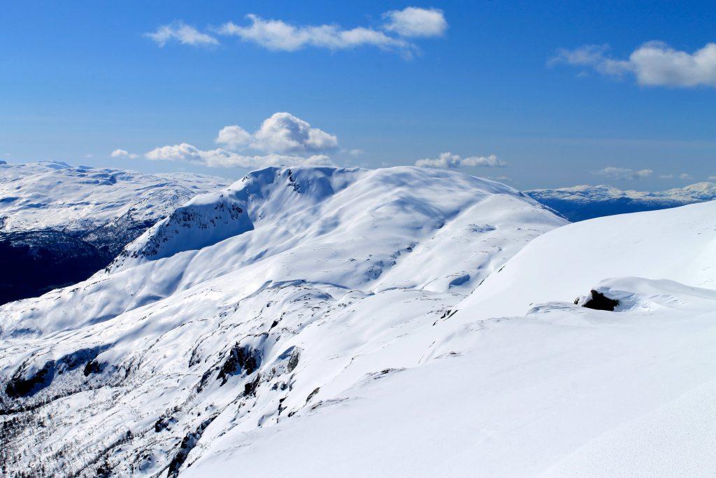 Fra Ingebjørgfjellet er det fint å gå videre til Oksen (1.241 moh).