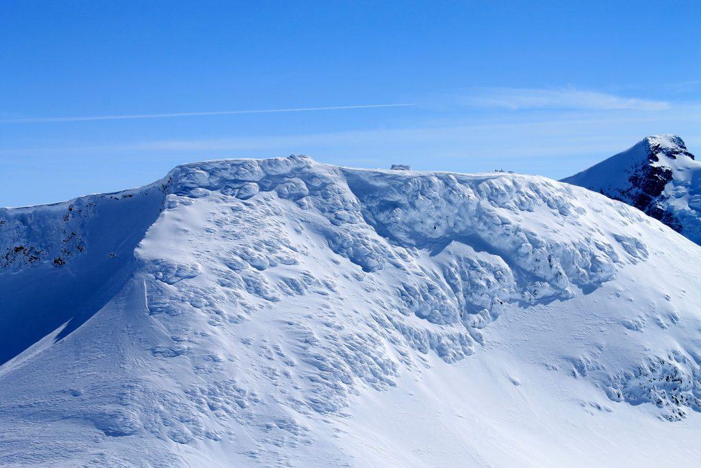 Fannaråki (2.068 moh) og Fannaråkhytta. Hytten er Norges høyest beliggende overnattingssted.