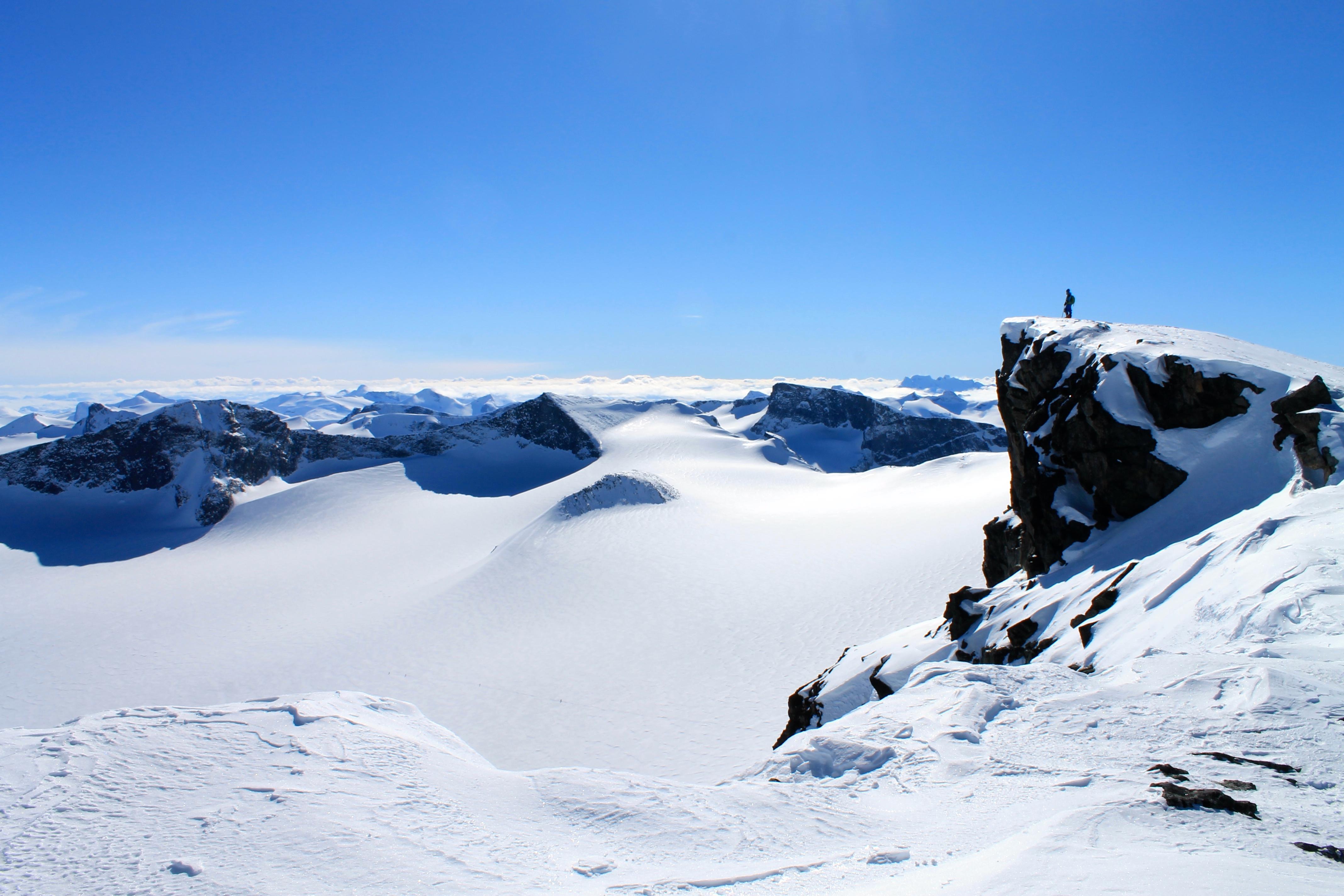 Innom Keilhaus topp (2.355 moh) på vei opp til toppen av Galdhøpiggen.