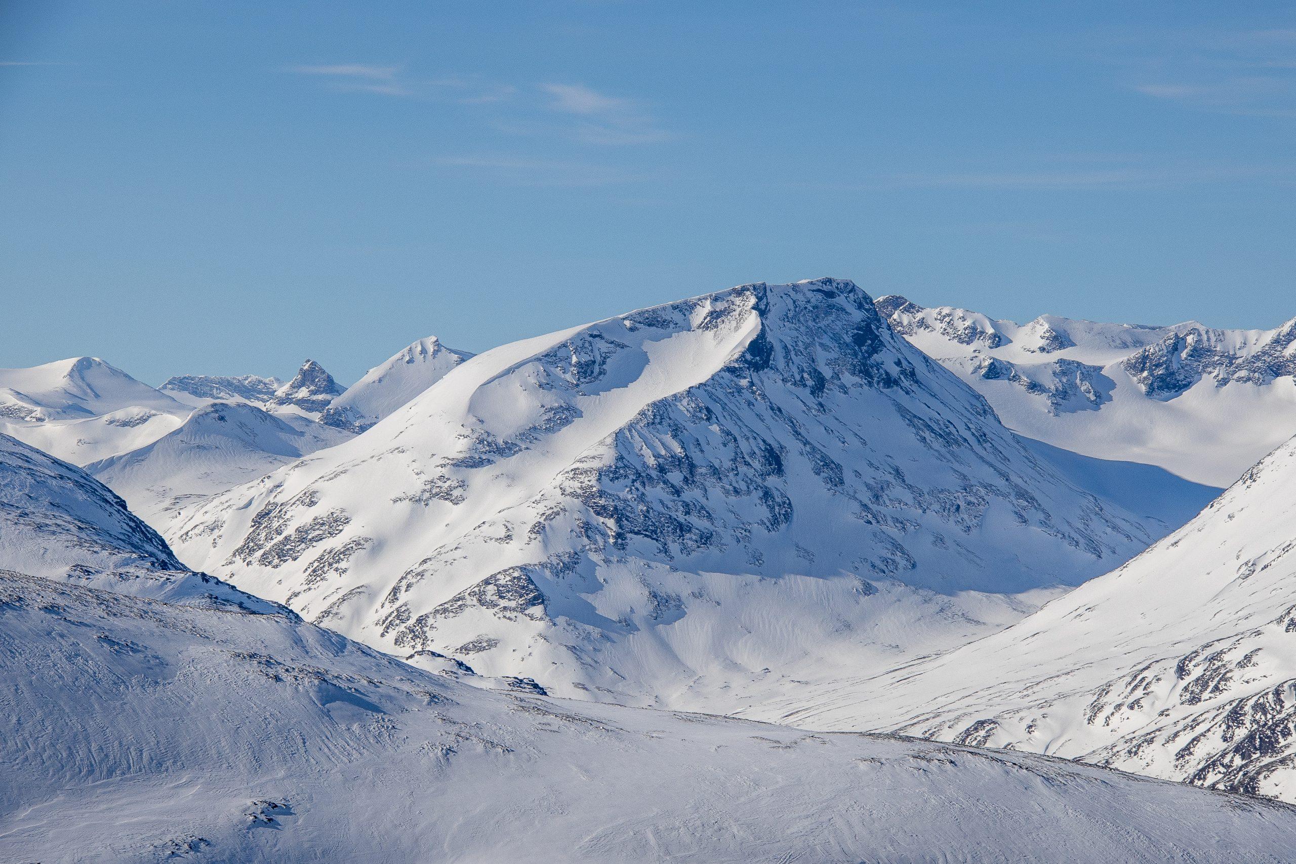 Styggehøe (2.213 moh) vinterstid sett fra nordøst.