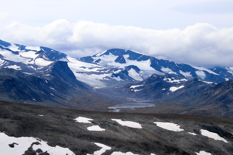 Utsikt mot Veobrean og Veodalen fra Nautgardoksle.