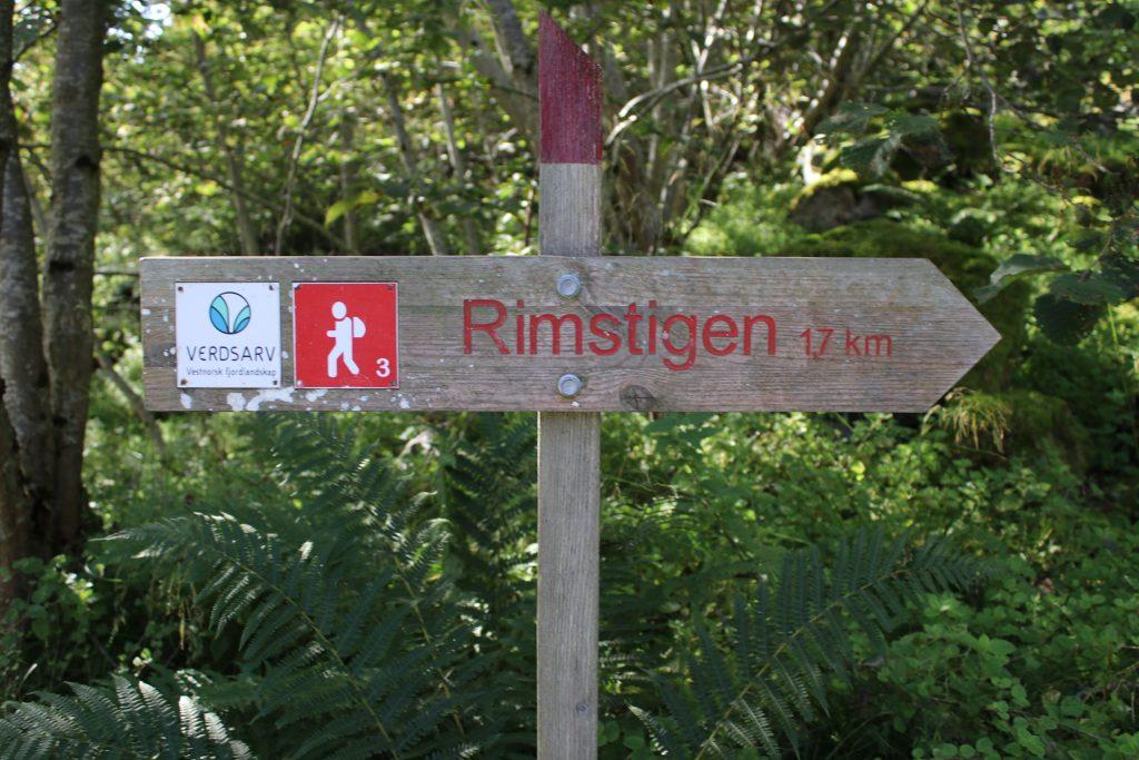Rimstigen strekker seg opp til 1.300 moh. I 2009 ble Rimstigen restaurert og er siden blitt vedlikeholdt.