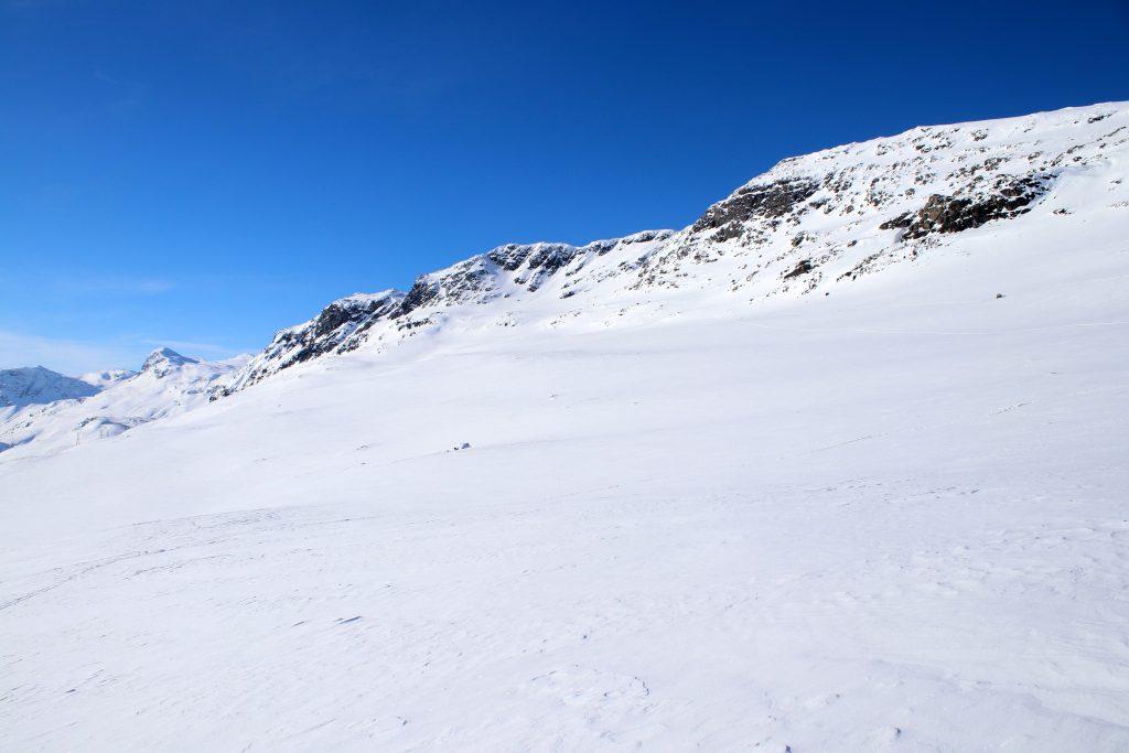 Sørsiden av Blåbergi (1.802 moh).