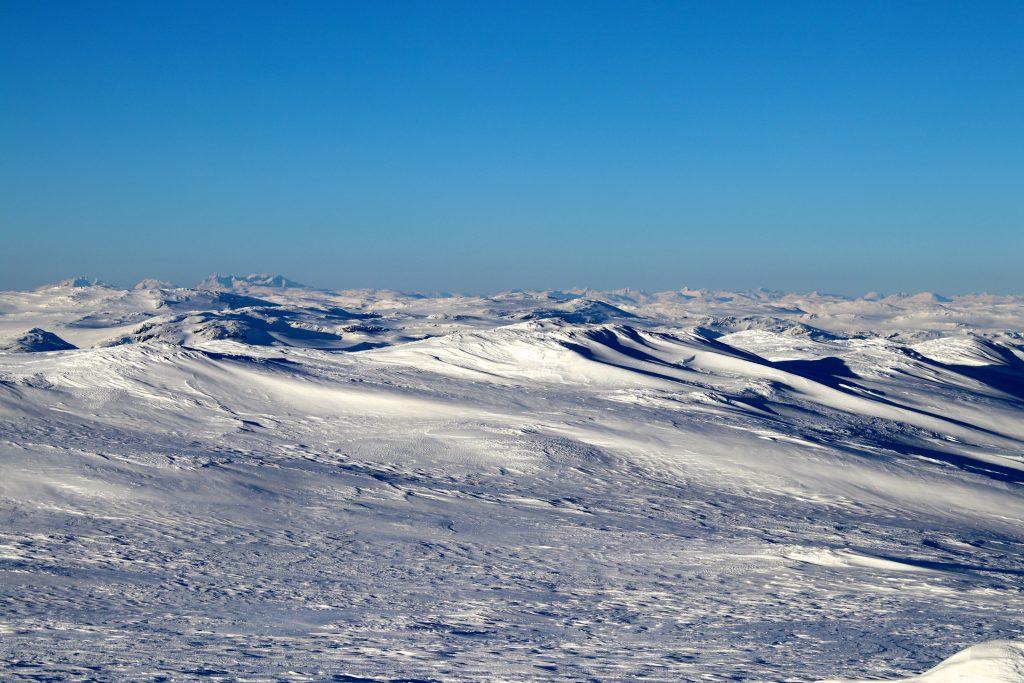 Skarvheimen med Hurrungane og Jotunheimen i bakgrunnen.