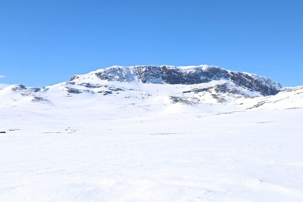 Blåbergi (1.802 moh) sett fra Flyåni.