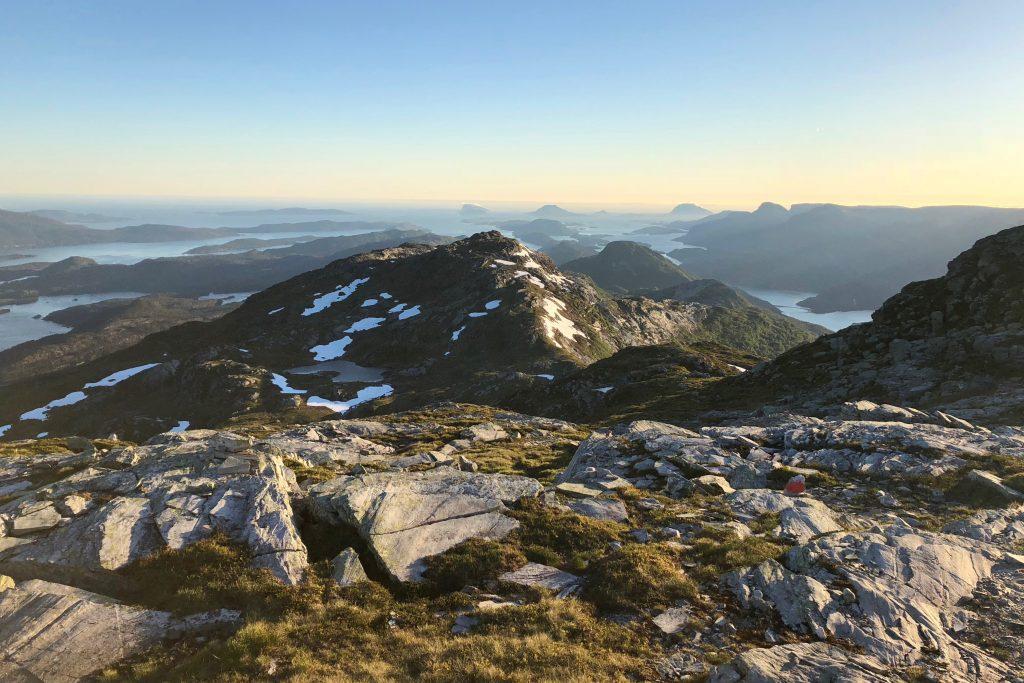 Flott turterreng ytterst i Fjordane og i Flora. Her fra Blånipa (1.021 moh).