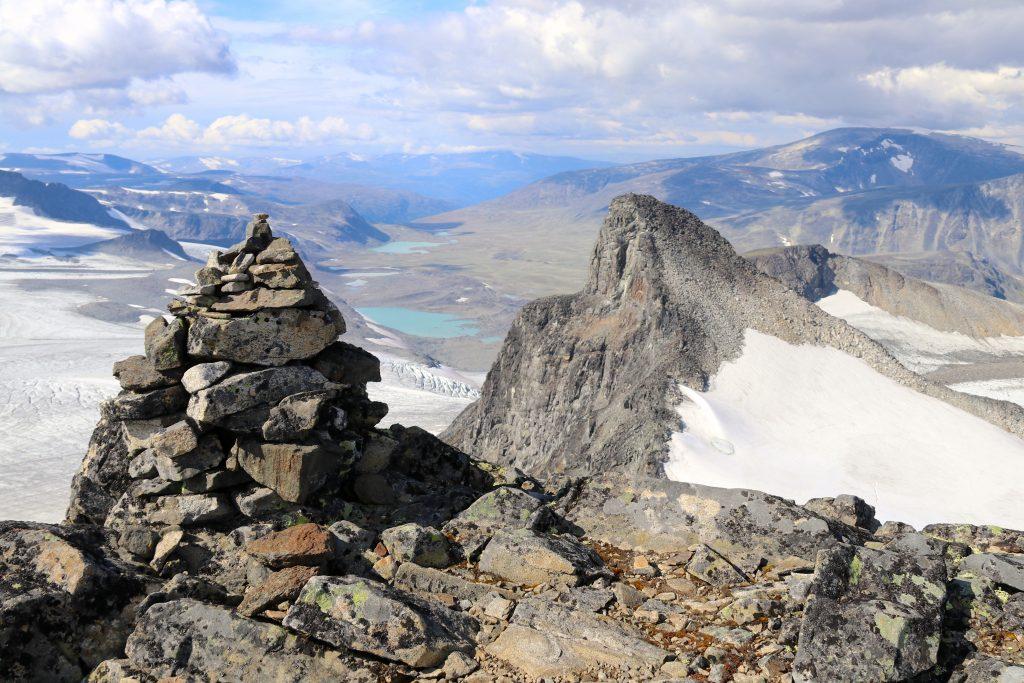 Toppen av Søre Veotinden (2.267 moh).