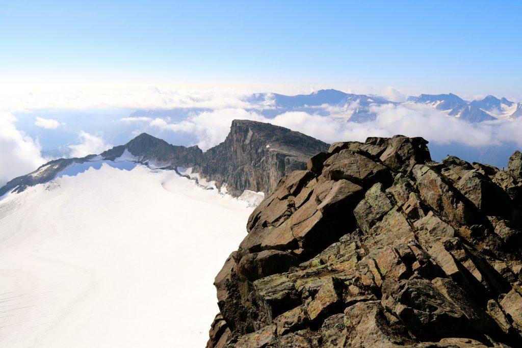 Toppen av Surtningssue (2.368 moh).