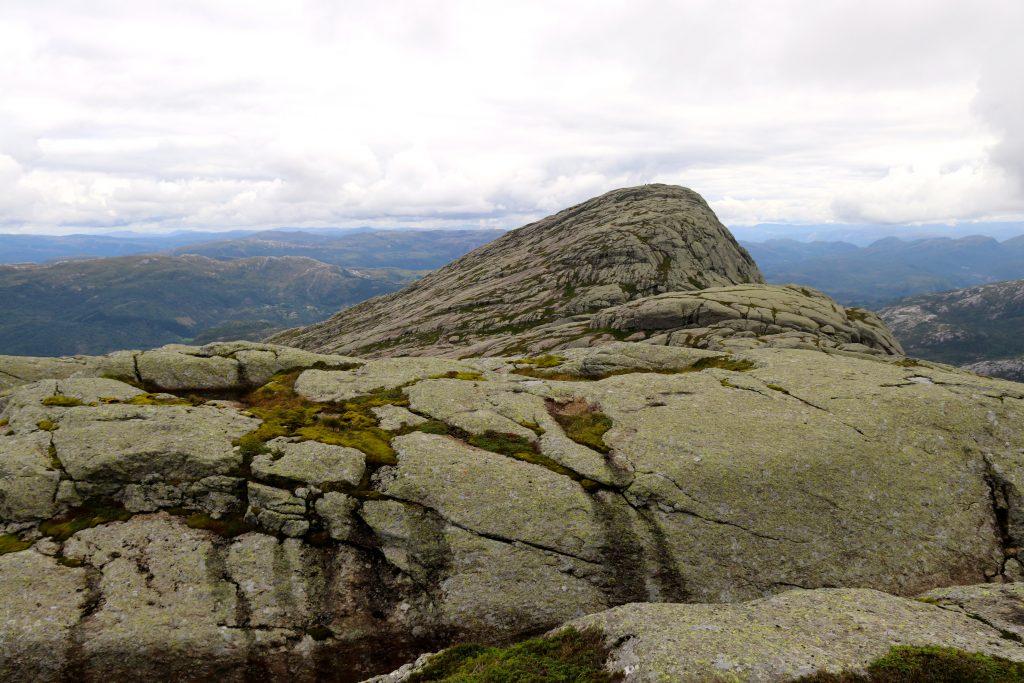 Gygrekjeften (710 moh) er den østligste toppen på Lihesten.