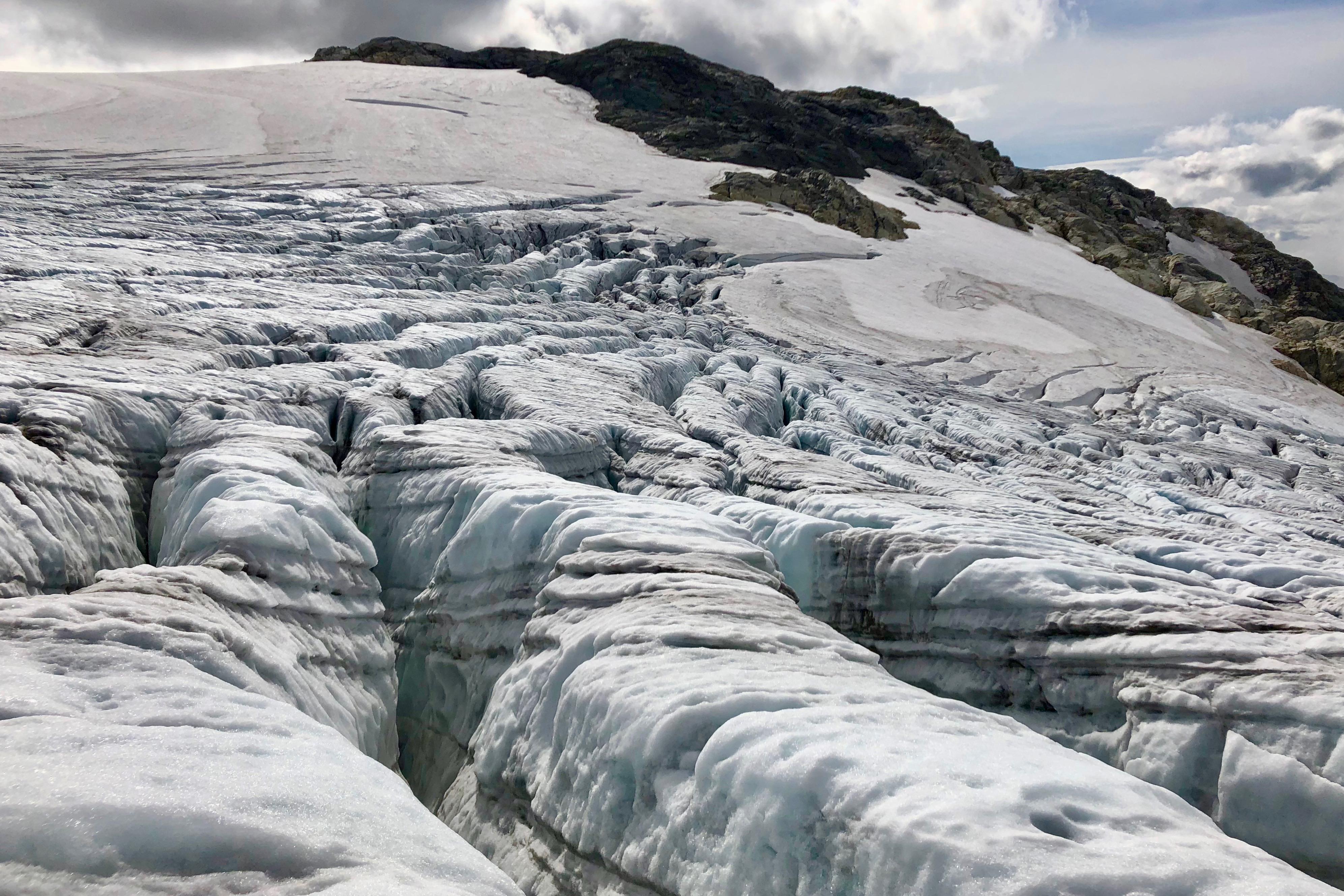 Den øvre delen av Botnabreen har flotte tverrsprekker.