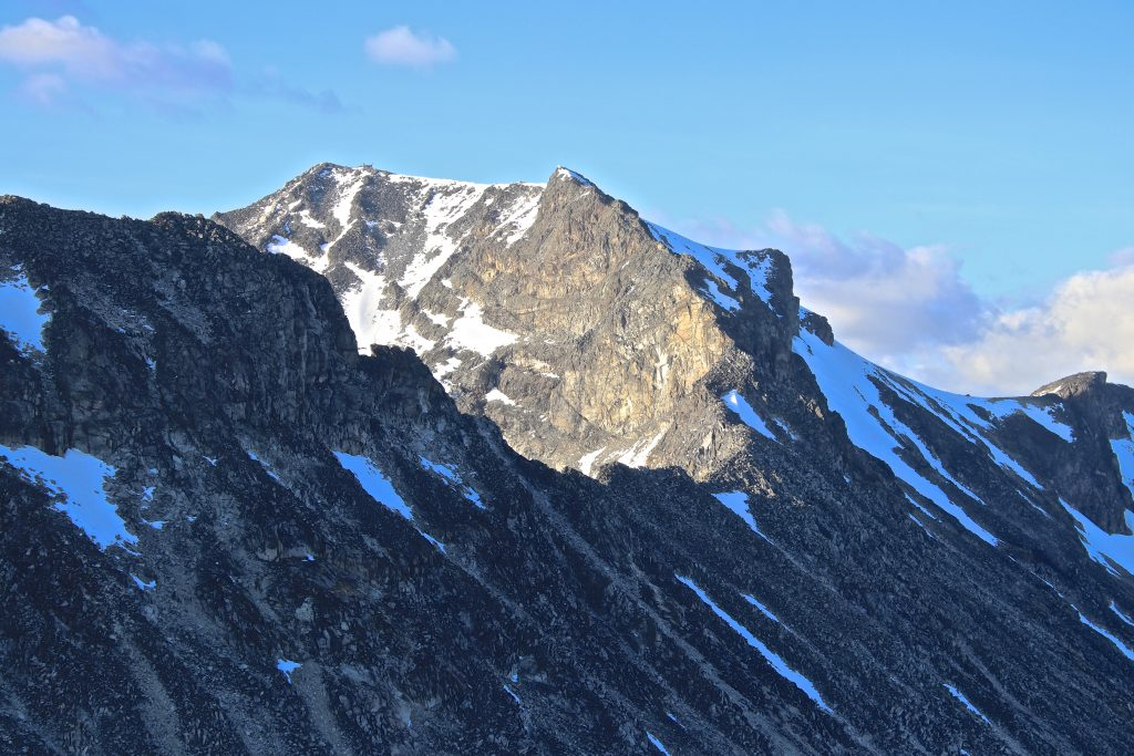 Sørvestryggen opp til toppen av Galdhøpiggen er  av den luftigere varianten.