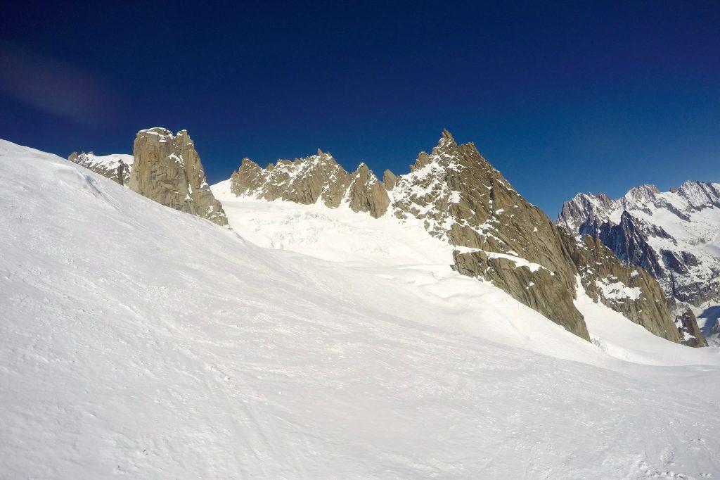Aiguille du Plan (3.673 moh) og breen Glacier d´Envers du Plan.