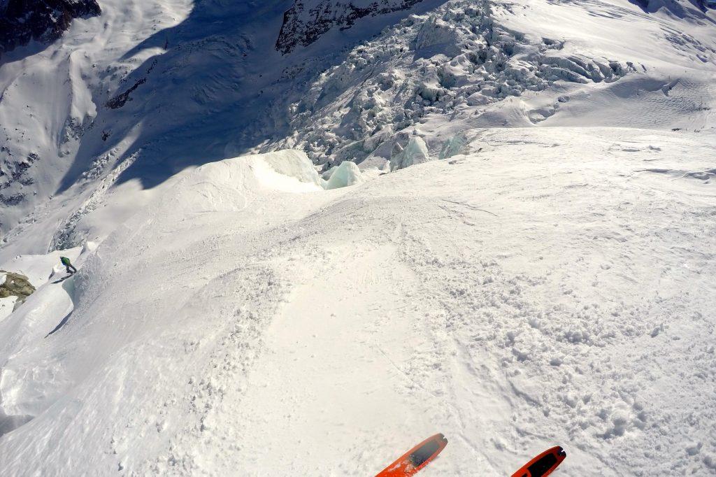 Skikjøring ned Vallée Blanche - den noe brattere Grand Envers ruten.