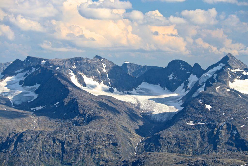 Knutsholstindtraversen i Gjendealpene med Knutsholstinden 2.341 moh