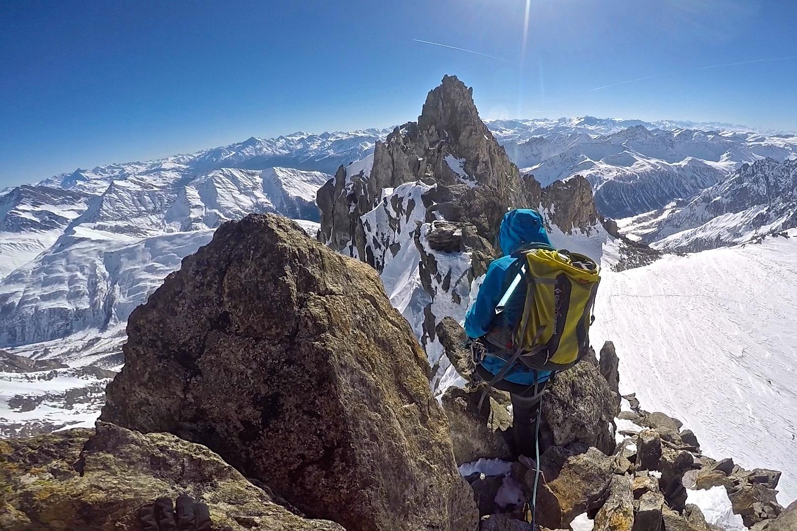 Tinderangling langs Aiguilles Marbrées (3.535 moh).
