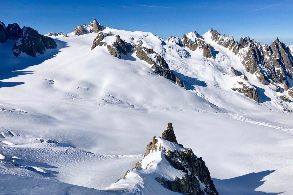 Vallée Blanche, Aiguille du Midi og Midi-Plan Travers sett fra Petit Flambeau (3.440 moh).