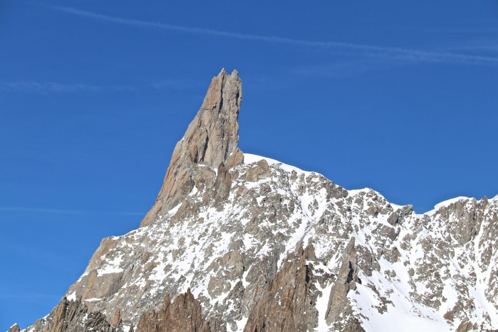 Fra Aiguilles Marbrées er det førsteklasses utsikt mot alpinklassikeren Dent du Géant (4.013 moh).