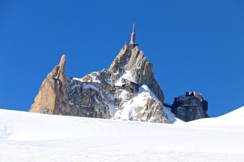 Aiguille du Midi (3.842 moh) sett fra Vallée Blanche.