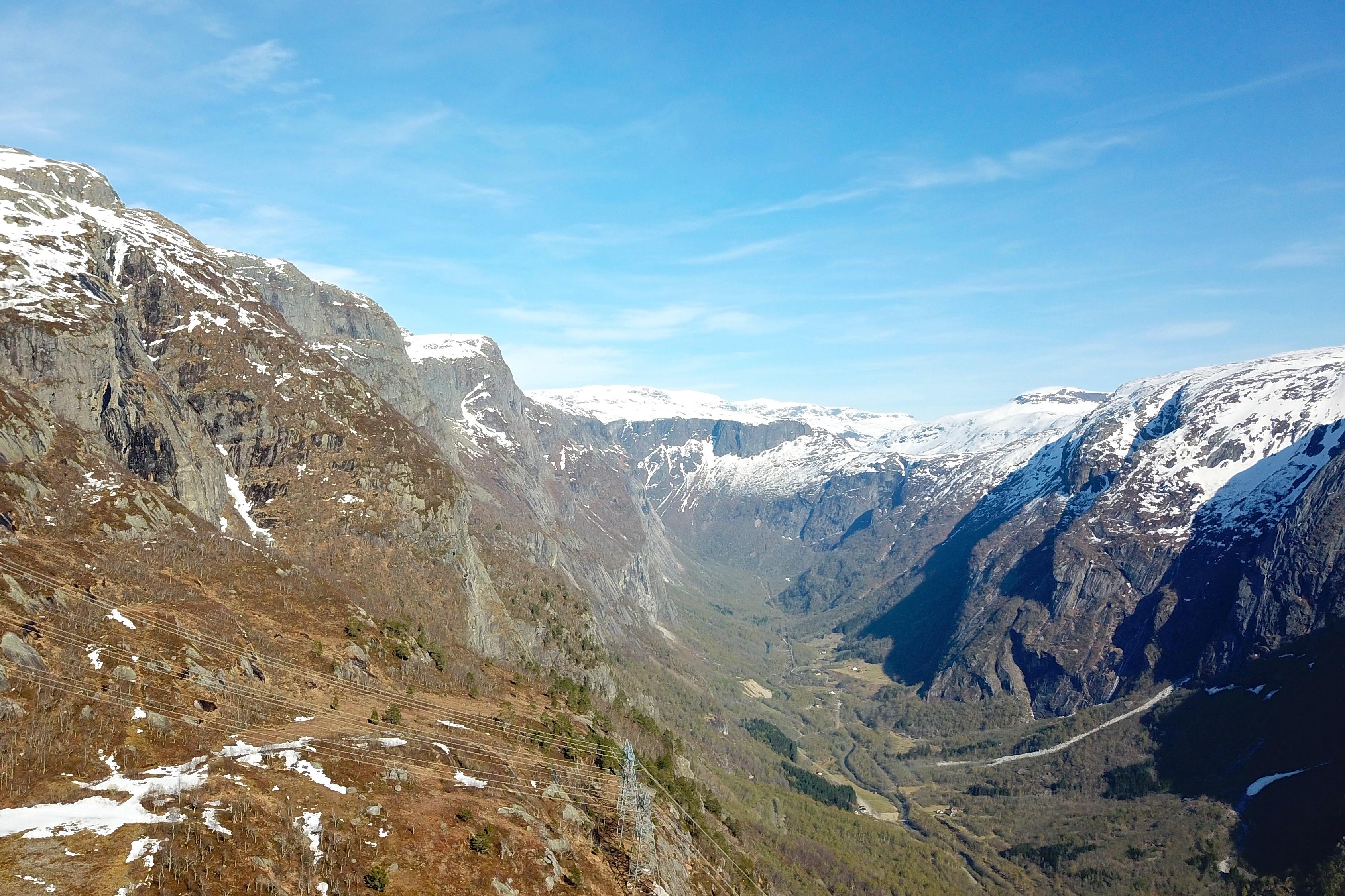 Utsikt fra Kjeåsen inn i Simadalen.