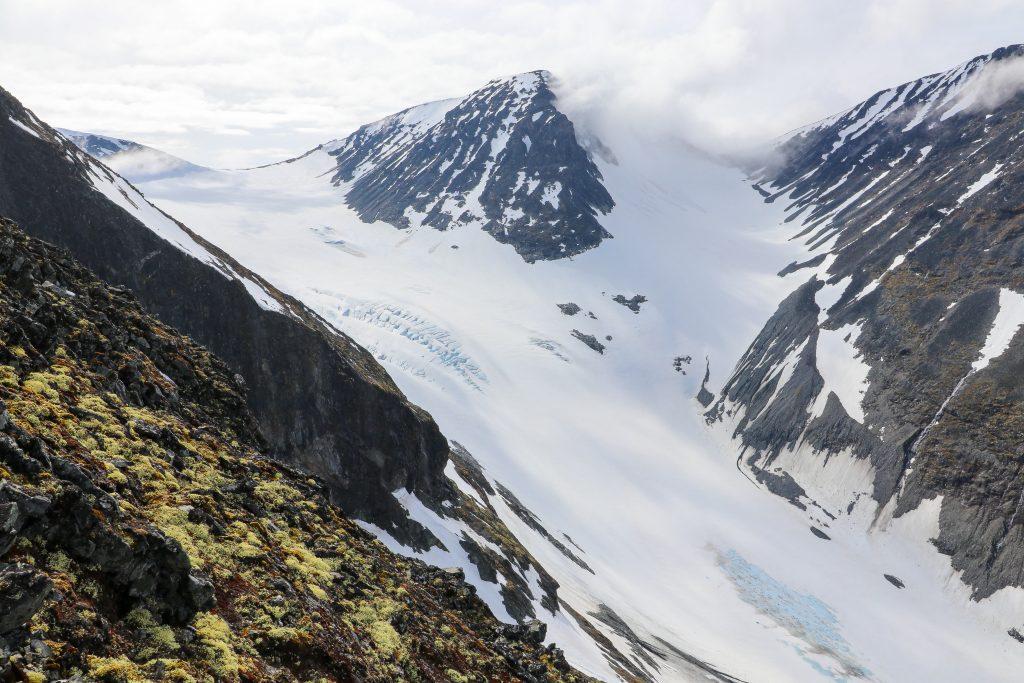Hurrbrean og Veslfjelltinden (2.157 moh).