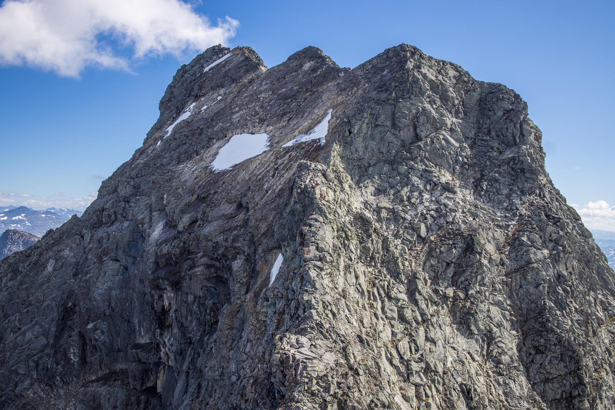 Mektige Store Austanbottstind er ansett av mange for å være den flotteste turen i Hurrungane.