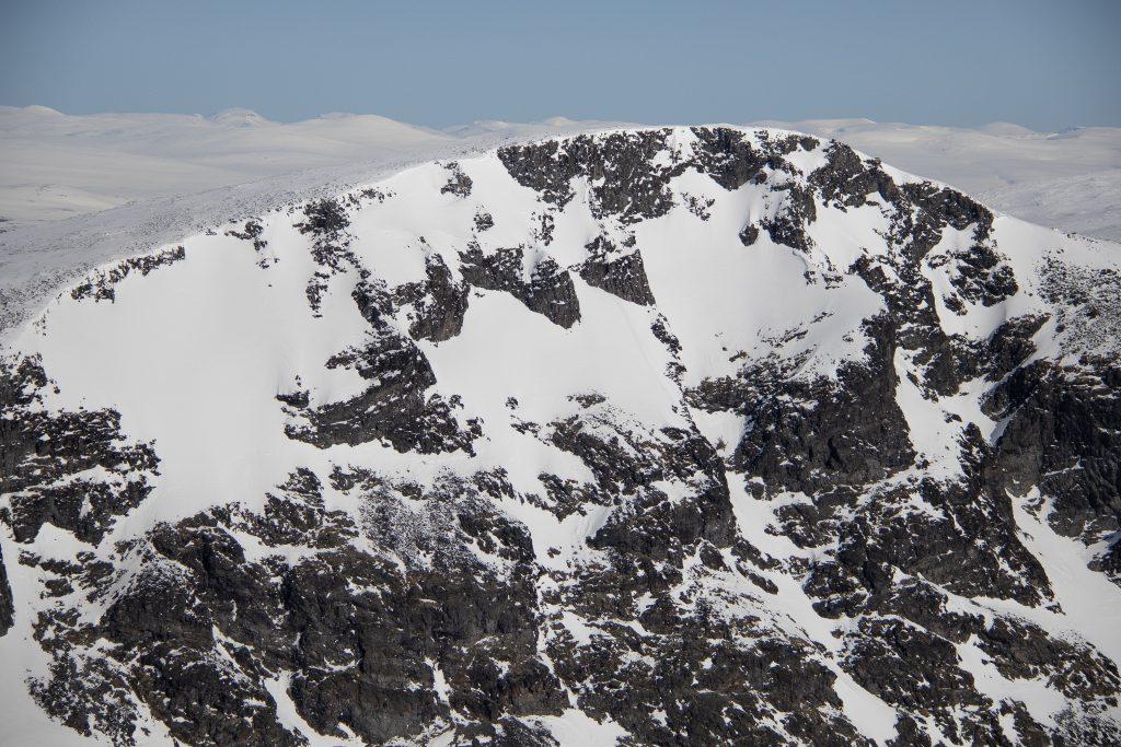 Gråhøe (2.154 moh) sin stupbratte sørside.