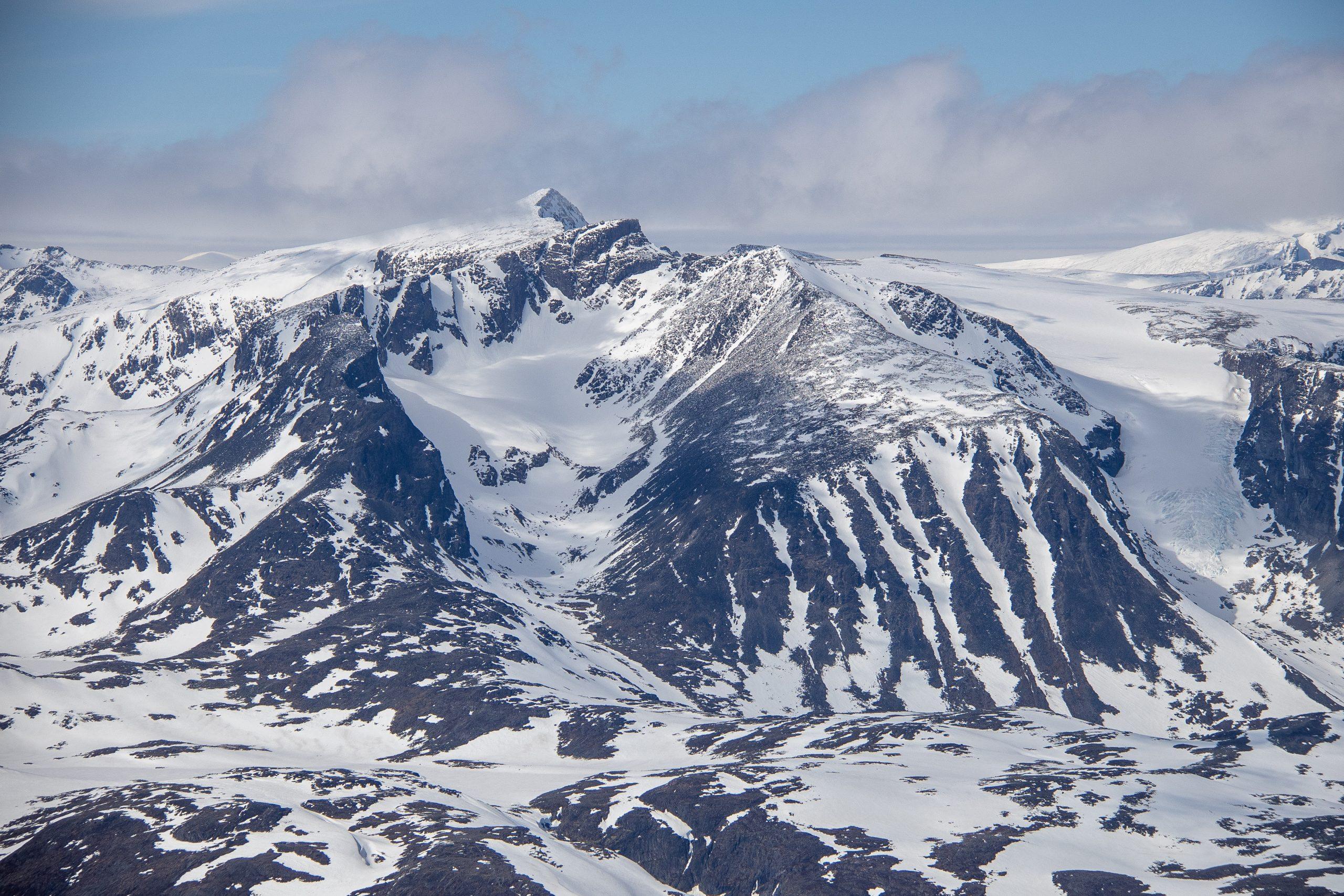 Surtningssue (2.368 moh) sin sørside.