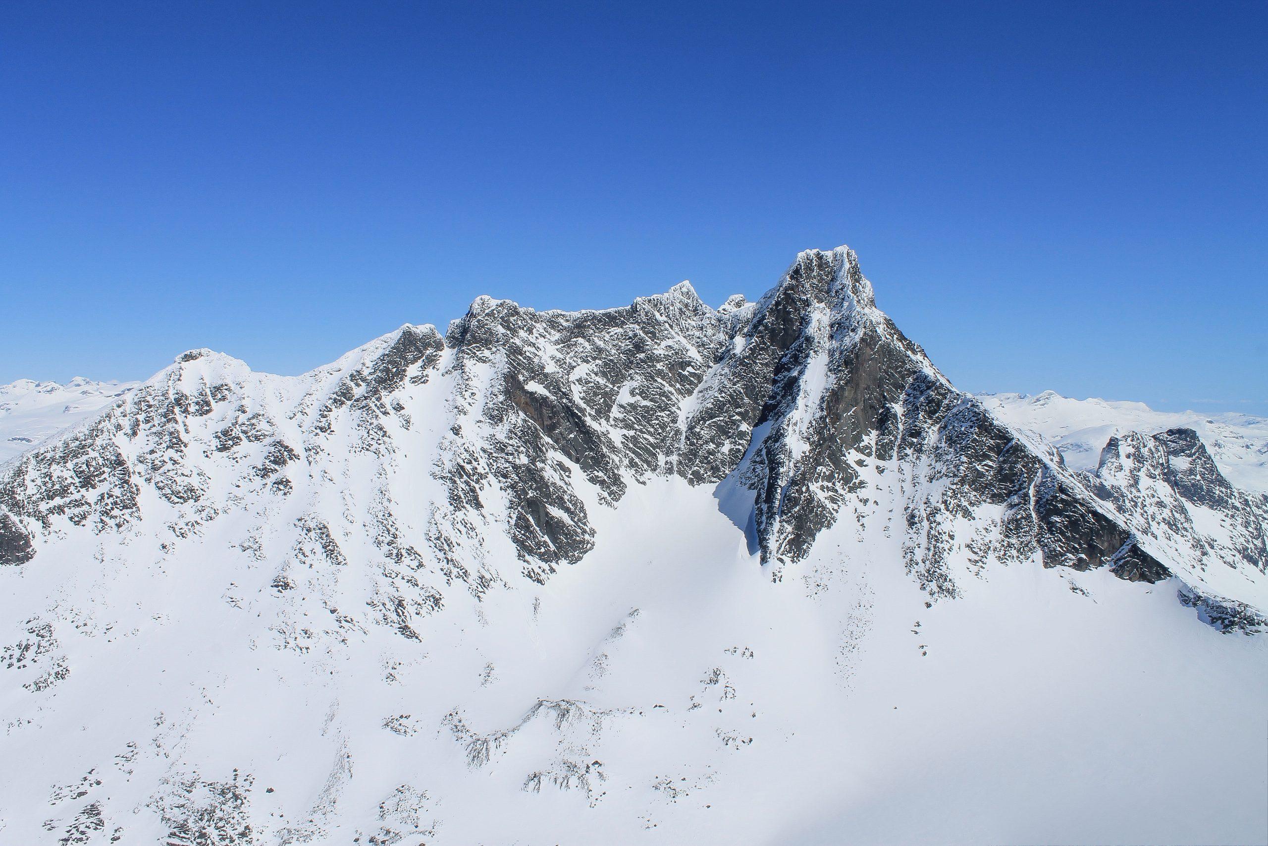 Skagastølsryggen og Storen (2.405 moh) i Hurrungane.