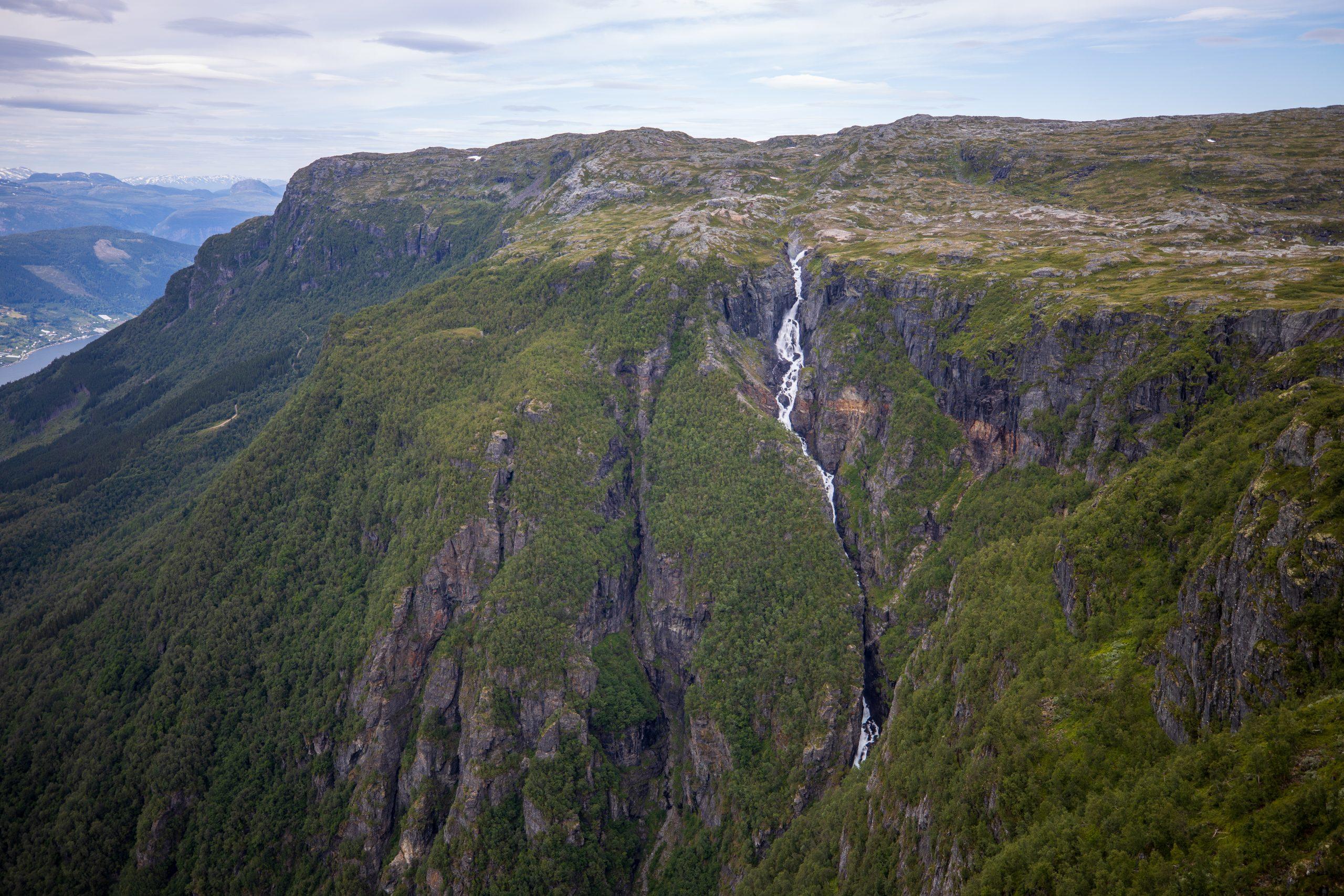 Rjukandefossen og Bjørnabykset er fossefall av elven Opo.