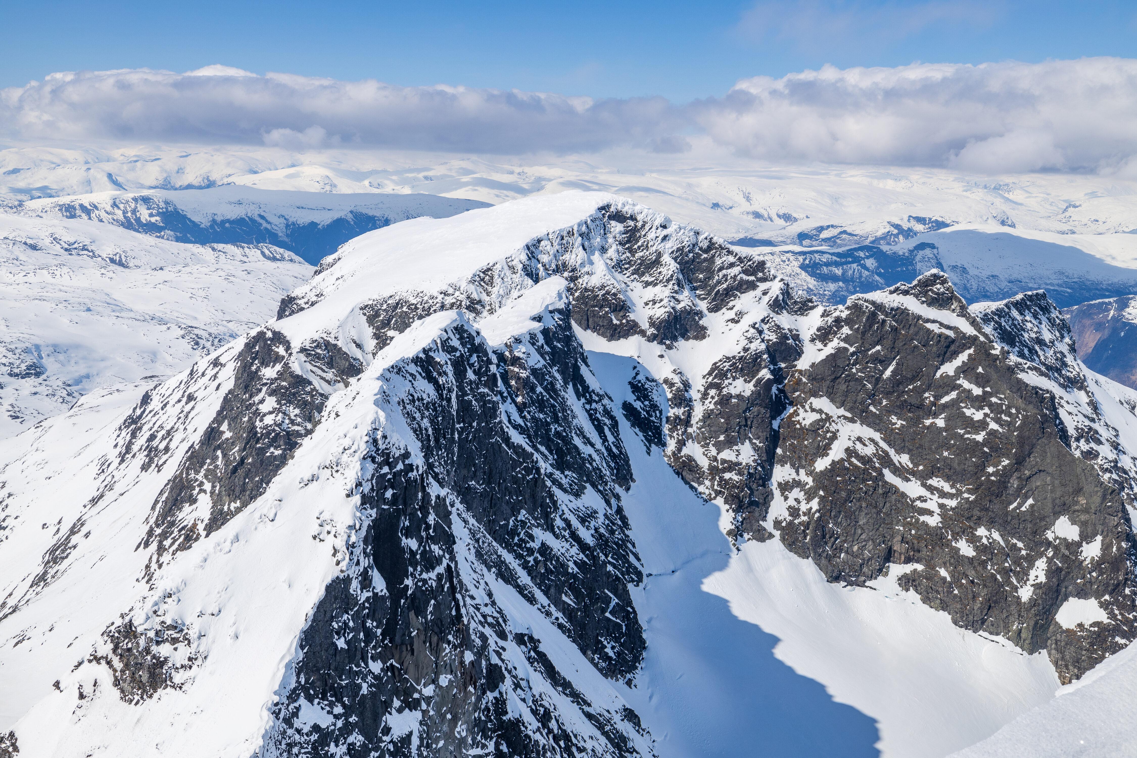 Soleibotntindene sett fra toppen av Store Ringstind.