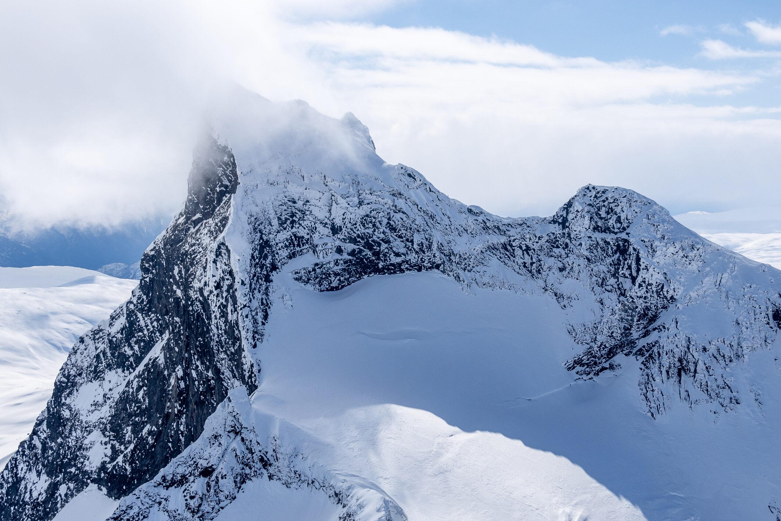 Store Austabottstind sett fra toppen av Store Ringstind.