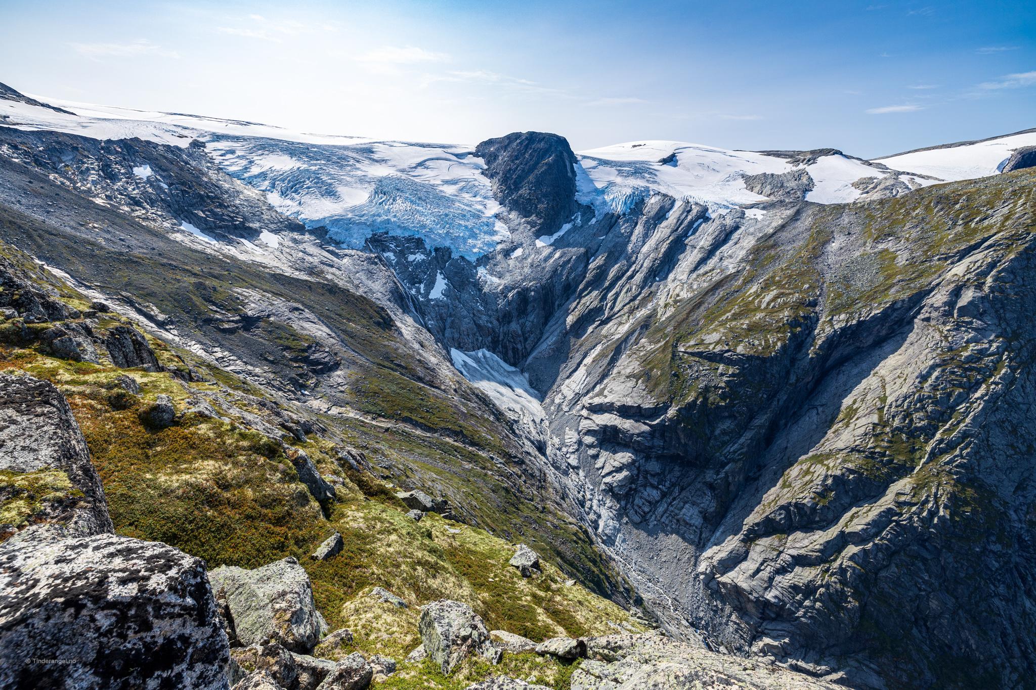 Melkevollbreen og Melkevolldalen sett fra Kattanakken.