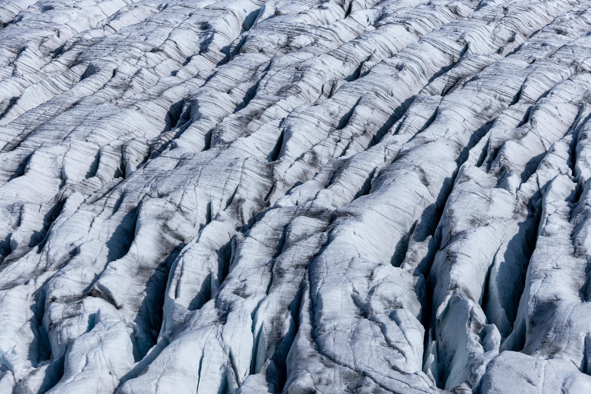 Tjøtabreen - en brearm av Jostedalsbreen.
