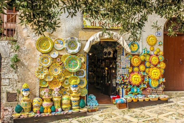 Keramikladen in Erice, Sizilien