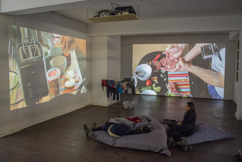 Kaffee und Haut #3, performance view at Kaiser&Dicke Fabrick, 2019