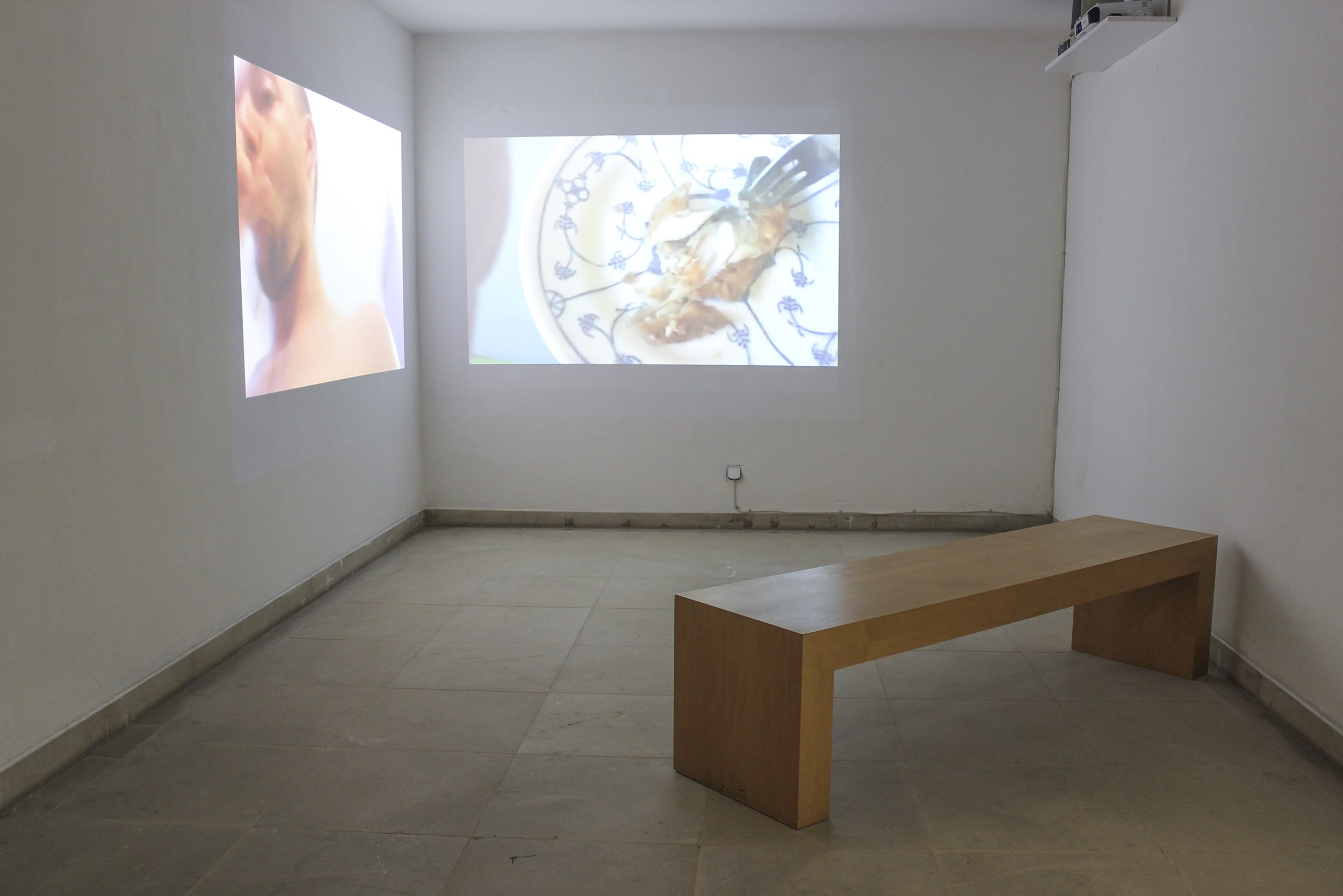 be shareful, exhibition view, 2-channel youtube-video-stream at Kunstmuseum Solingen, 2016
