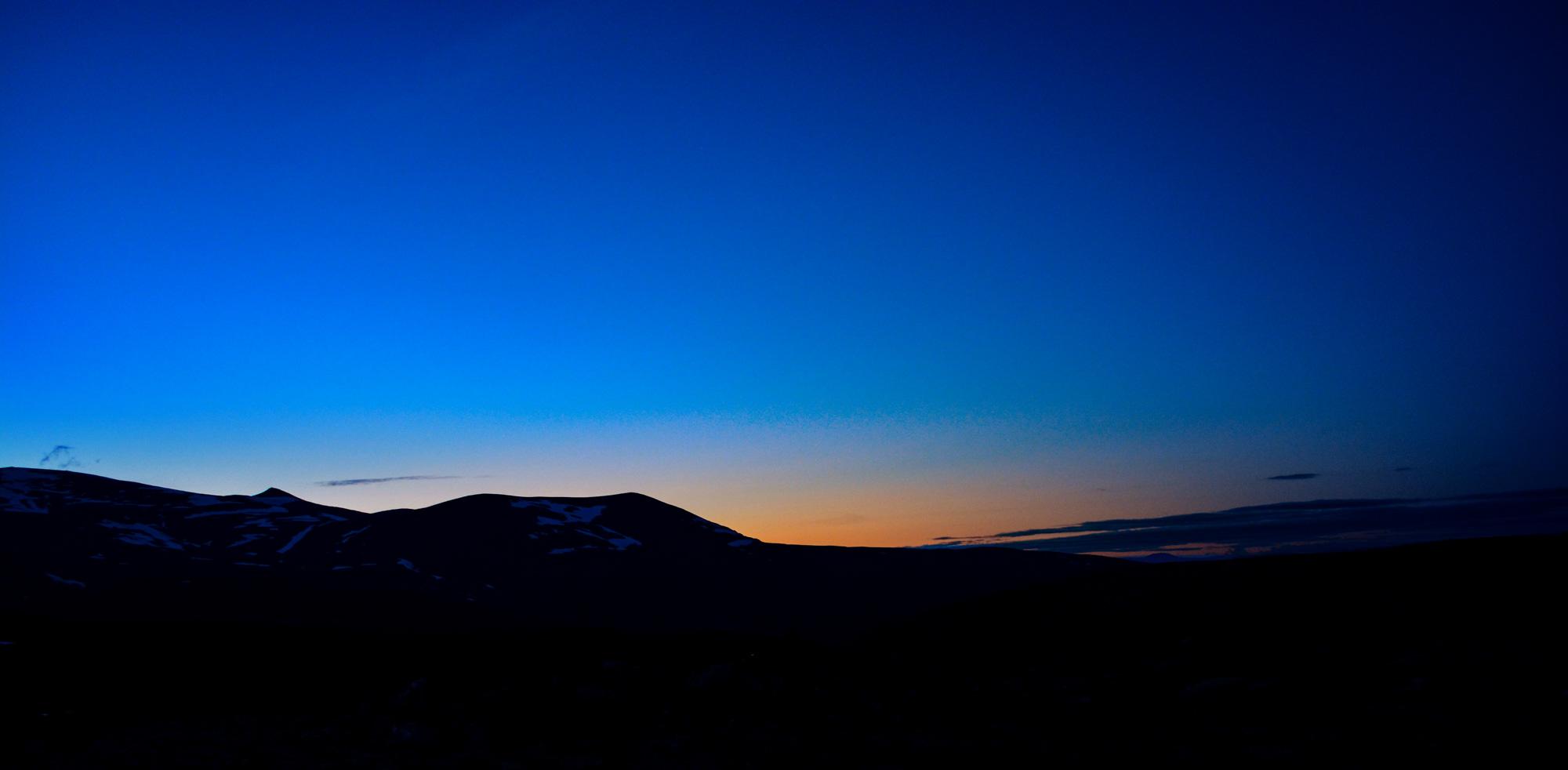 Solnedgång vid Besssvatnet i Jotunheimen