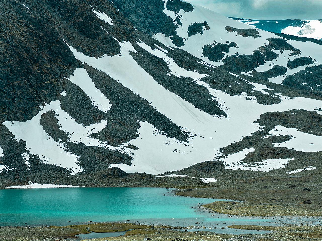 leirtjønne_med_berg