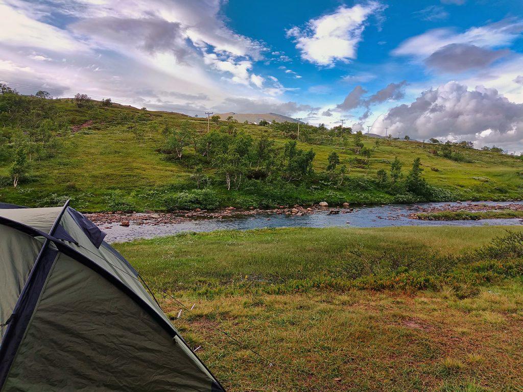 Camping vid Lill-Ulvån