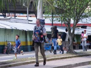 Traveling sustainable with a backpack