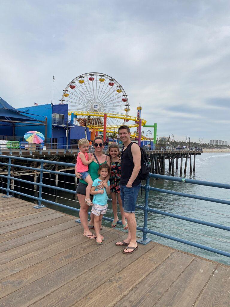 gezinsfoto aan santa monica pier