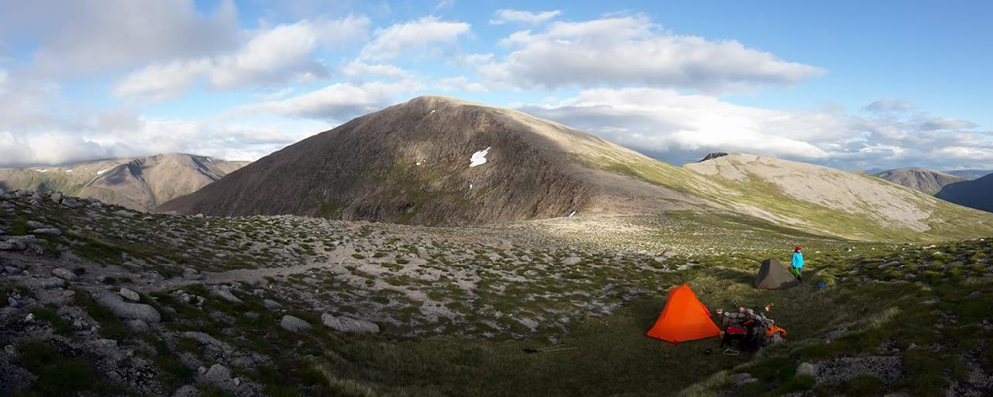 Wild-camp between Carn Toul and Angel's Peak