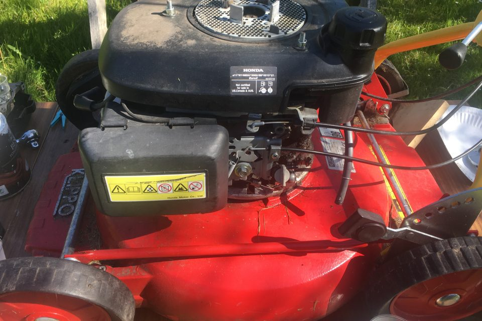 Solve starting problems with lawnmowers