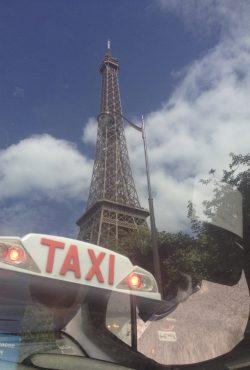 Paris Eiffel m taxa