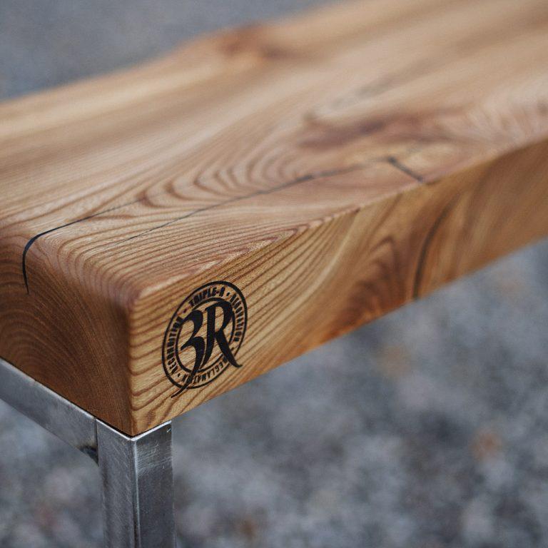 Tomas60_bench_6598