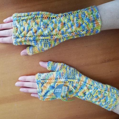 Read more about the article NEU IM APRAM-SHOP – Neue Handarbeiten!