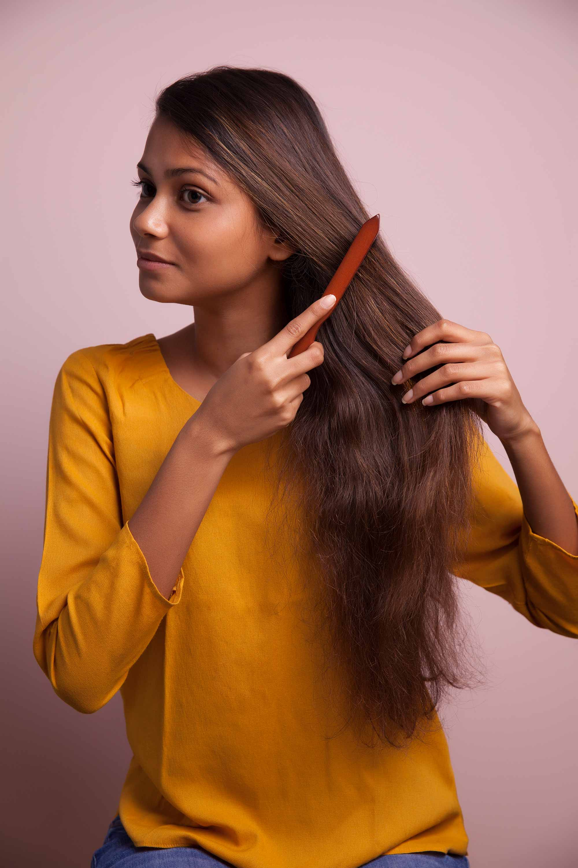 detangling-hair-one-strand-braid-comb.jpg