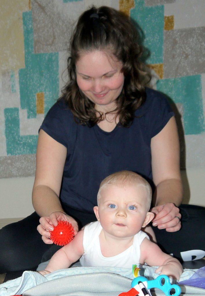 Stimulering og leg med baby